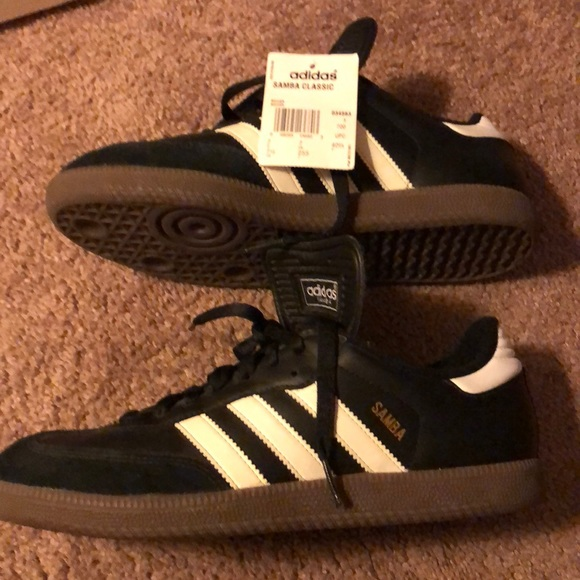 ce6bb71d750 Adidas Samba Classic - Men s soccer shoe